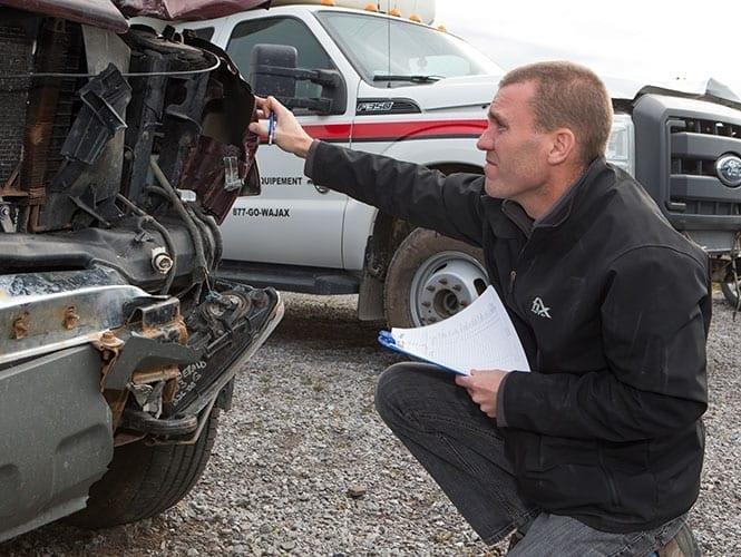Fix Auto a peaufiné les ententes avec les diverses compagnies d'assurances et excercé un étroit suivi des dossiers nécessaires au nouveau départ de l'atelier de Rimouski.