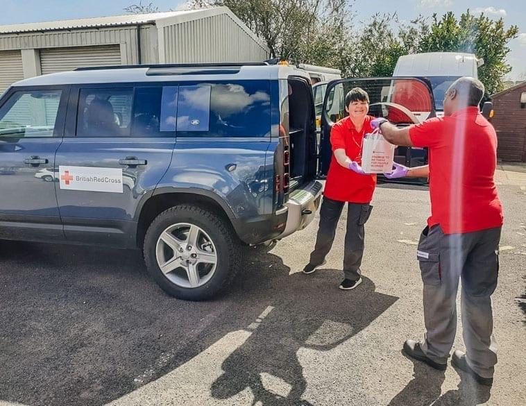 British Red Cross Volunteers (Photo : Jaguar Land Rover)