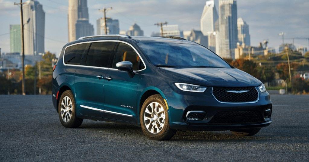 2021 Chrysler Pacifica Pinnacle blue model hybrid social media version