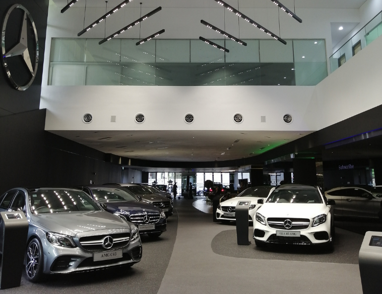 mercedes benz salle de montre showroom