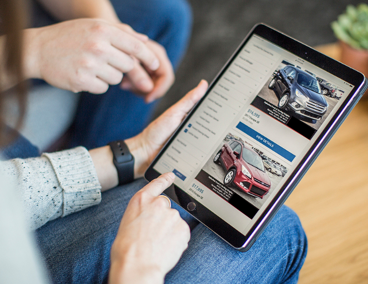 SocialMediaMarketing-CarShop-Stock