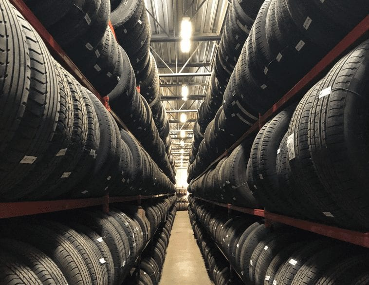 tire storage entreposage des pneus