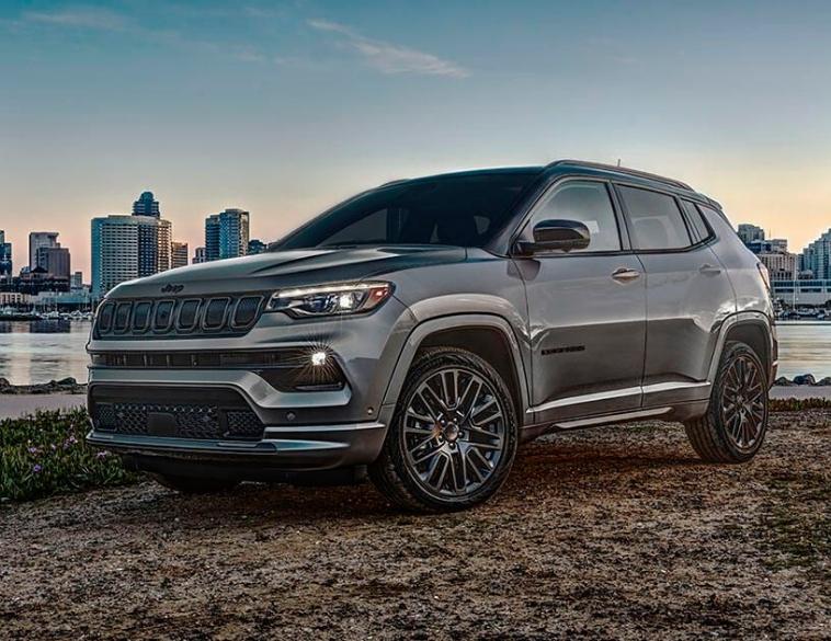 2022 Jeep Compass grey