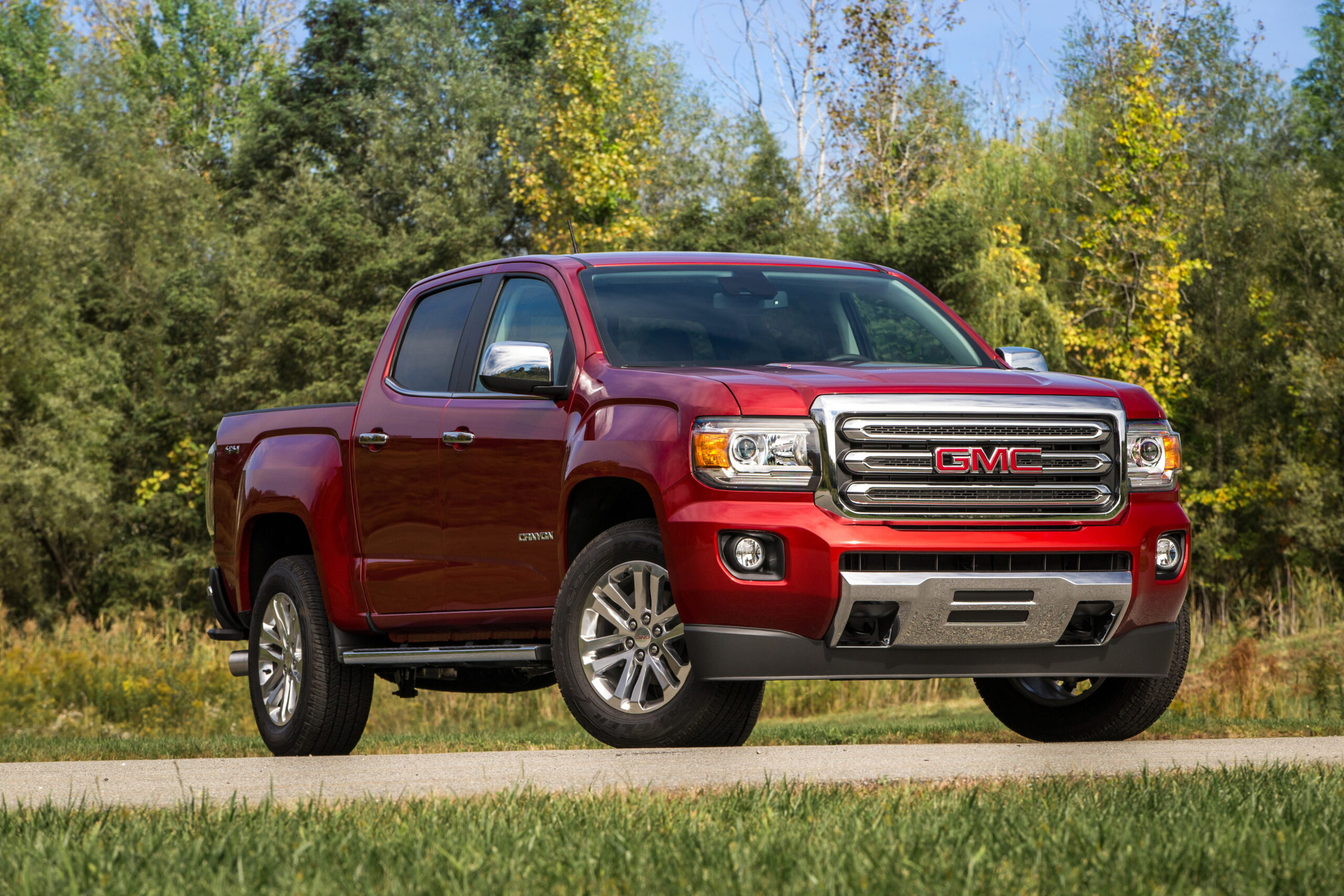 2020 GMC Canyon red diesel